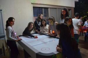 שולחנות משחק לבר/בת מצווה - יאללה מסיבה